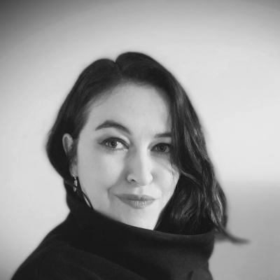 Laura-Robertson-2020-portrait.jpg