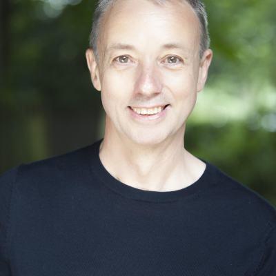 Simon Butteriss headshot colour.jpg