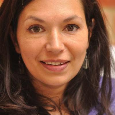 Dr Yasmin Khan